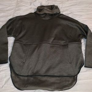 NWT The North Face Slacker Poncho in Taupe Green